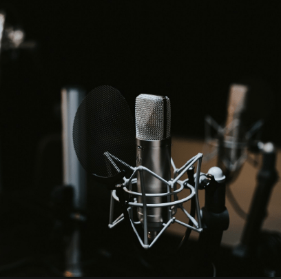Estrenamos podcast de Chela Clo