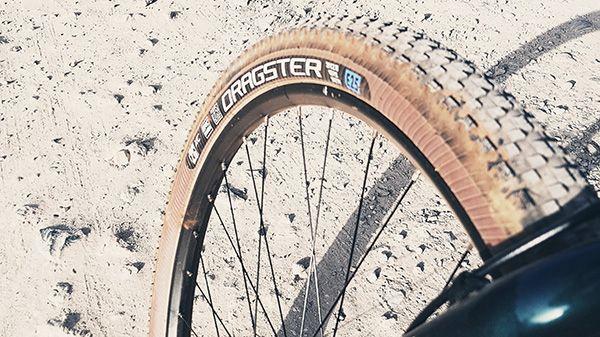 ¿Cómo evitar pinchazos en bici de montaña?