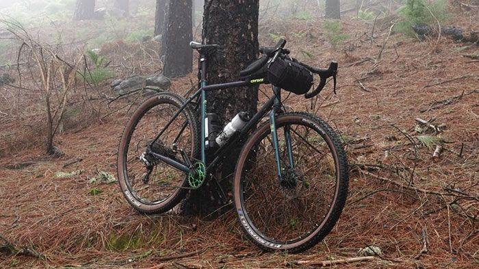 7 Trucos para bajar mejor con una Gravel Bike
