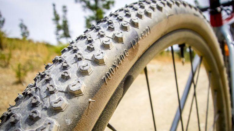 ¿Qué presión de neumáticos uso en bicis de Gravel?