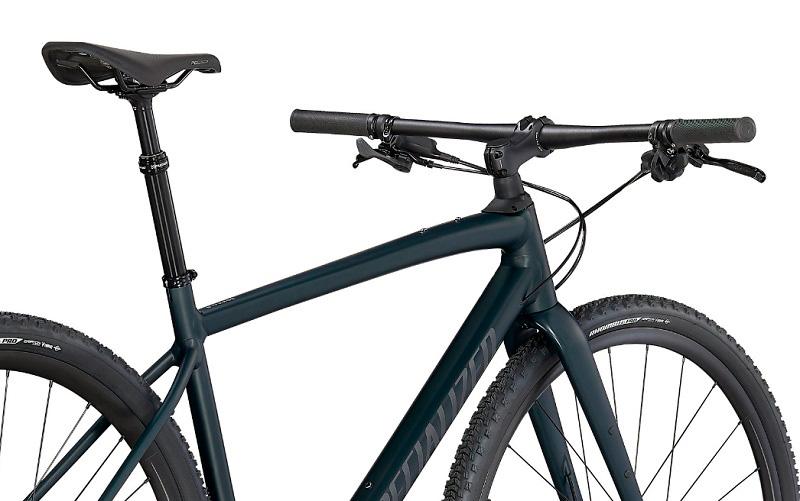 bici gravel con manillar plano